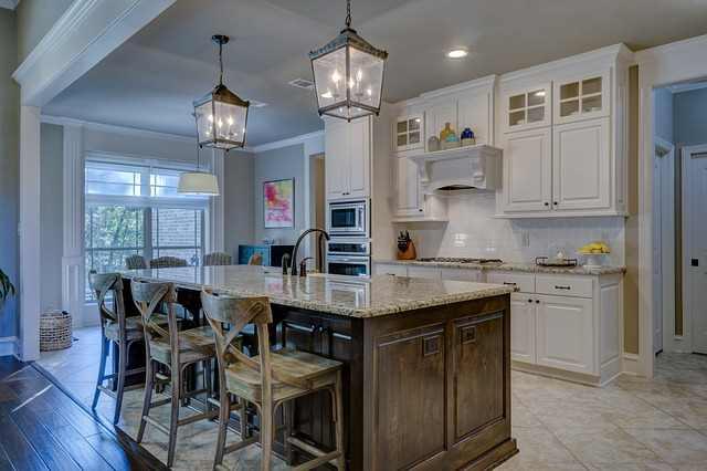 Illuminazione naturale e artificiale in casa consigli per